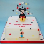 mickey-and-friends-cake