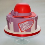red-hat-box-cake
