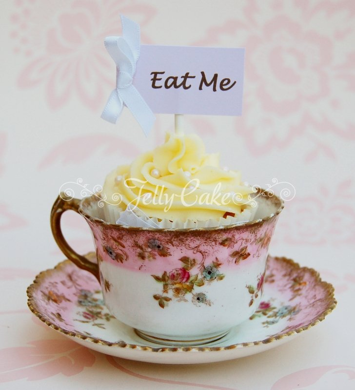 eat-me-wedding-cupcakes