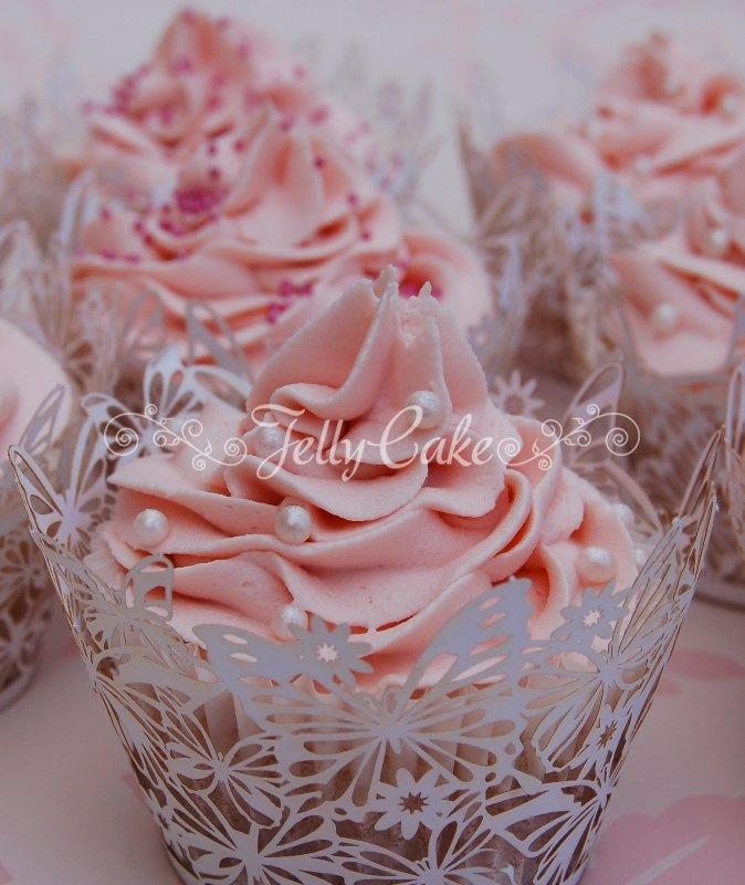pink-swirl-wedding-cupcakes