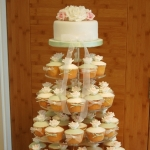 roses-wedding-cupcake-tower