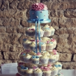 vintage-blue-and-pink-wedding-cupcakes