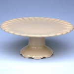 cream-crimped-pedestal-stand