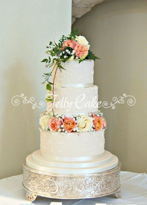 piped floral lace wedding cake