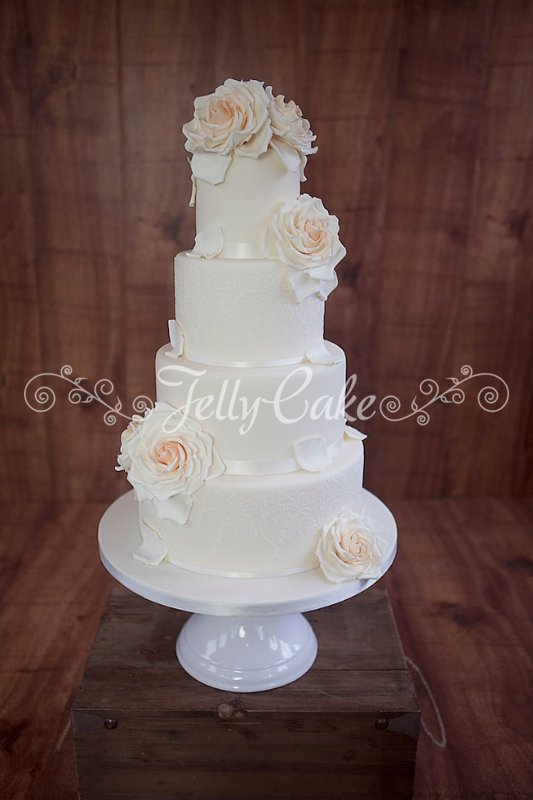 peaches-and-cream-wedding-cake