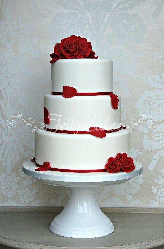 red roses wedding cake 0. Black Bedroom Furniture Sets. Home Design Ideas
