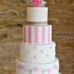 heart bunting wedding cake