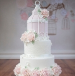 pink-roses-birdcage-wedding-cake