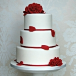 red-roses-wedding-cake_0