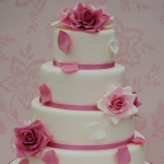 vintage-dusky-rose-wedding-cake