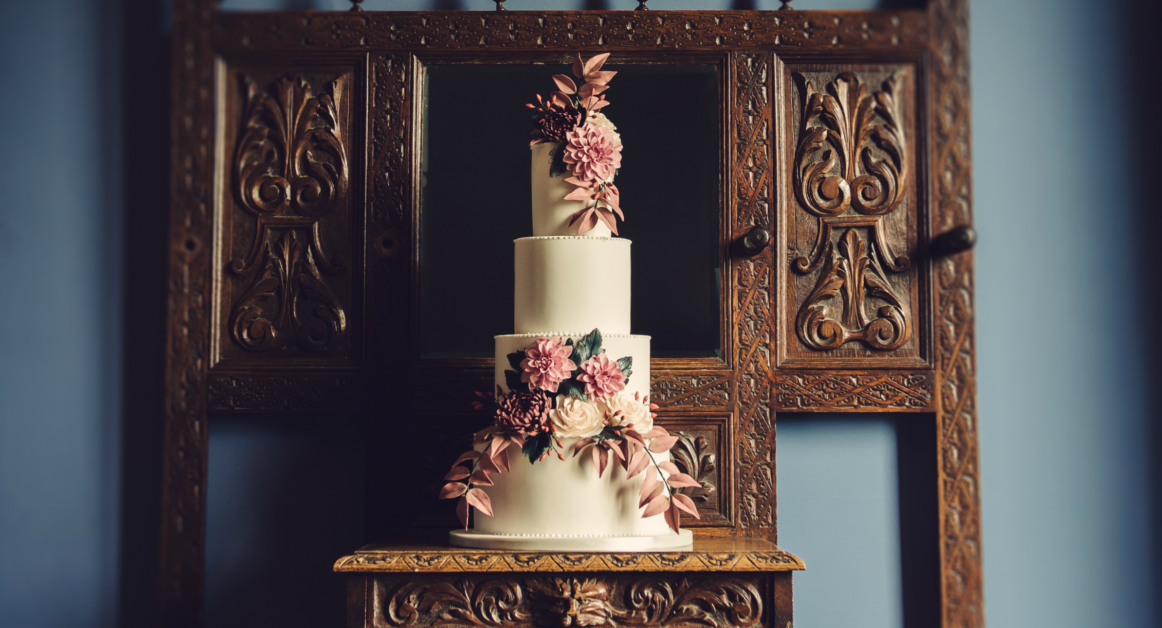 JellyCake Autumn Pinks Wedding Cake in Hall