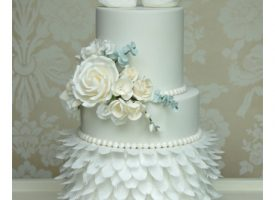 Swan Wedding Cake Cotswold Wedding