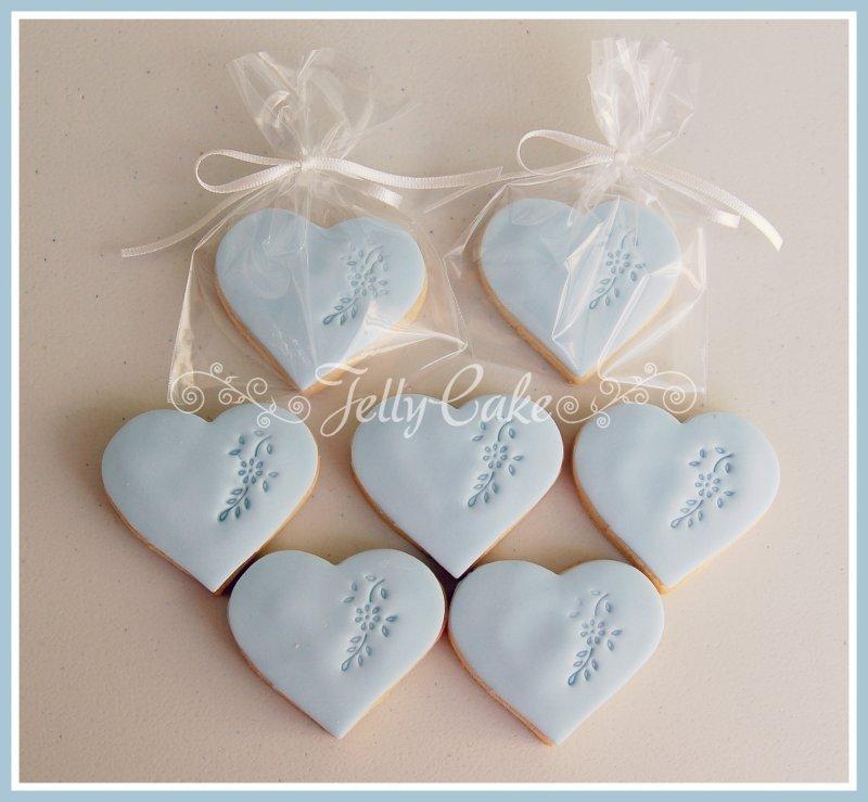 blue-heart-favours