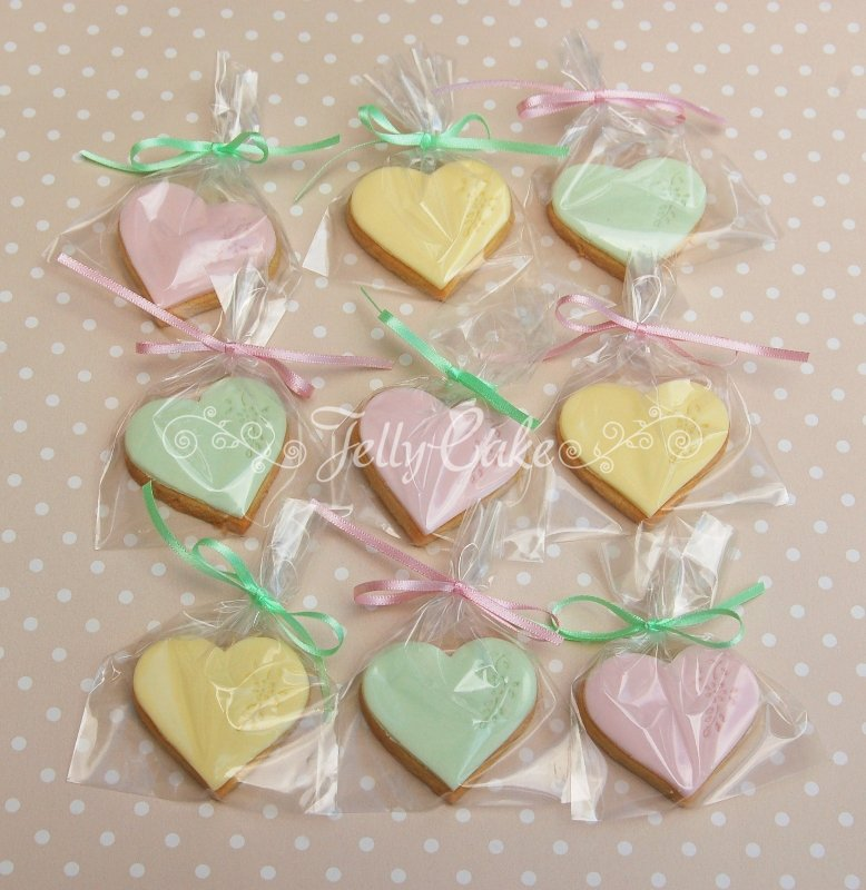 pastel-roses-mini-biscuits