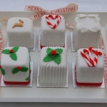 mini-white-christmas-cakes