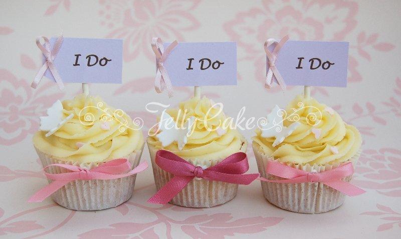 i-do-wedding-cupcakes