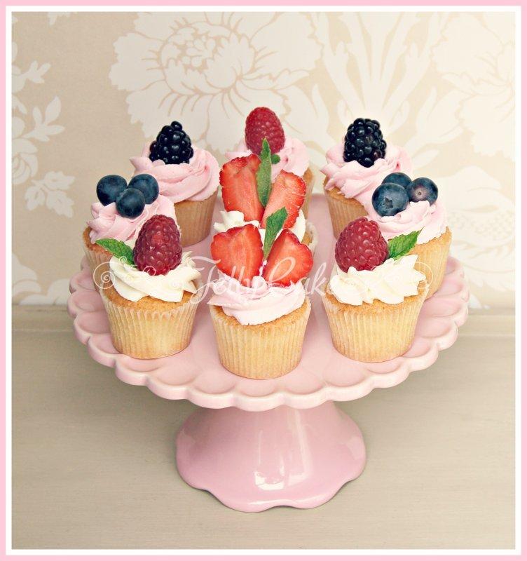 mini-fruit-cupcakes-1a